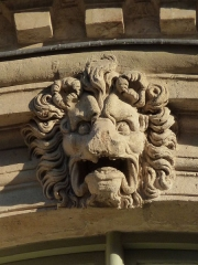 Hôtel Béthune-Sully - English: Paris, Hôtel de Sully, mascaron façade Rue St.Antoine