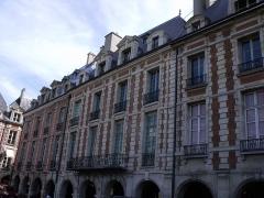 Hôtel Laffemas - Français:   façade des 20 et 22