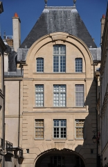 Hôtel - English: Hôtel de Bretonvilliers situated at 3 rue de Bretonvilliers in the 4th district of Paris, France