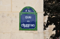 Immeuble - English: Street sign of the building located at 42 Quai des Célestins, Paris 4th arrondissement, France. The building is listed as a historical monument by the French Ministry of Culture.