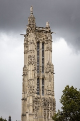 Tour Saint-Jacques - This building is indexed in the Base Mérimée, a database of architectural heritage maintained by the French Ministry of Culture, under the reference PA00086479 .