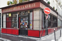 Ancien débit de boisson - English: Front of the restaurant La Grille, used to be an alcohol shop