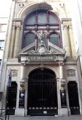 Anciens magasins de vente des faïenceries de Choisy-le-Roi - Français:   Magasins de vente des faïenceries de Choisy-le-Roi
