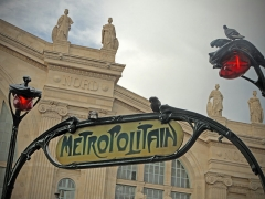 Métropolitain, station Gare du Nord - This building is indexed in the Base Mérimée, a database of architectural heritage maintained by the French Ministry of Culture,under the reference PA00086510 .