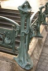 Métropolitain, station Place d'Italie - Français:   Colonnette de la bouche de métro Place d\'Italie côté avenue d\'Italie