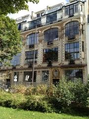 Immeuble -  31-31 bis rue Campagne-Première, à Paris (France). Immeuble art déco de l'architecte André Arfvidson et du céramiste Alexandre Bigot