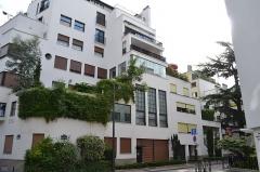 Ancienne maison-atelier des sculpteurs Martel - 10, rue Mallet-Stevens, Paris 16e - Ancienne maison-atelier des sculpteurs Martel (rez-de-chaussée).