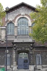 Ateliers de décors de l'Opéra (bâtiment central et pavillon d'entrée) - Français:   Ateliers Berthier, 32 boulevard Berthier (Inscrit, 1990)