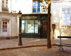 Le Bateau Lavoir -  Bateau Lavoir in Paris, France