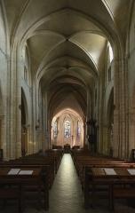 Eglise Saint-Pierre-de-Montmartre - English: Saint-Pierre de Montmartre church, interior: view of the nave and the choir.