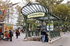 Métropolitain, station Abbesses -  La station de métro Abbesses à Paris.