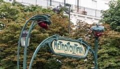 Métropolitain, station Anvers - German amateur photographer, wikipedian and mathematician