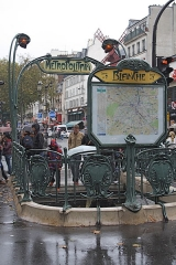 Métropolitain, station Blanche - Deutsch:   Zugang Metrostation Blanche Paris