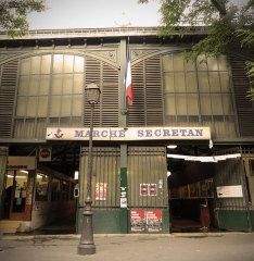 Marché Secrétan - This building is indexed in the Base Mérimée, a database of architectural heritage maintained by the French Ministry of Culture, under the reference PA00086766 .