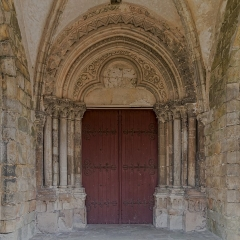 Eglise - English:  Doorway of the Curch Notre-Dame and Saint Lawrence.