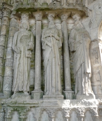 Eglise Saint-Mathurin - English:  Details of statues of northern portal of St. Mathurin's church in Larchant, Seine-et-Marne, Île-de-France, France.