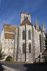 Eglise Saint-Mathurin - English:  Chevet.