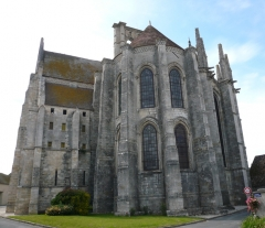 Eglise Saint-Mathurin - English:  Chevet of St. Mathurin's church in Larchant, Seine-et-Marne, Île-de-France, France.