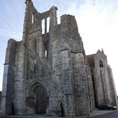 Eglise Saint-Mathurin - English:  Ouest face.