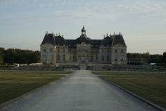 Château de Vaux-le-Vicomte (également sur commune de Moisenay) - This building is indexed in the Base Mérimée, a database of architectural heritage maintained by the French Ministry of Culture, under the reference PA00087074 .