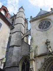 Eglise Saint-Aspais - This building is classé au titre des monuments historiques de la France. It is indexed in the base Mérimée, a database of architectural heritage maintained by the French Ministry of Culture,under the reference PA00087097 .