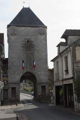 Portes de Paris et de Bourgogne - English:  Gate of Burgundy.