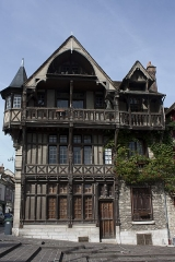 Maison Raccolet -  Racollet's house, on neo-Gothic style, adorned with sculpted miniatures representing some trades.