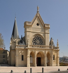 Eglise Notre-Dame - English: The west facade of the church of Notre-Dame in Chatou, department of Yvelines, France.