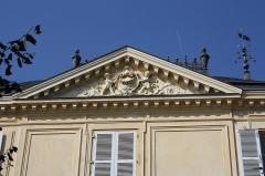 Pavillon - English: L'Ermitage school at 2 Eglé avenue in Maisons-Laffitte, France.