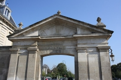 Portes - English: Park doors from the city downtown in Maisons-Laffitte, France.