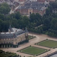 Hôtel de ville -  Château de Rambouillet  et mairie.