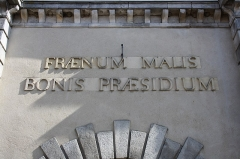 Bailliage - English: Town hall (Old bailliage) of Rochefort-en-Yvelines, France. Inscription en latin: