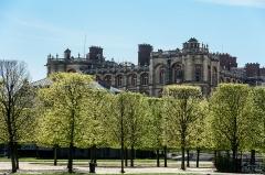 Domaine national de Saint-Germain-en-Laye, actuellement Musée des Antiquités Nationales - Français:   Château de St Germain-en-Laye, derrière les arbres fraîchement taillés de l\'allée Henri II