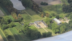 Château de Pontchartrain (également sur commune de Jouars-Pontchartrain) - Français:   Vue aérienne du château de Pontchartrain