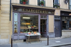 Charcuterie - English: Old butcher shop now a grocery shop located in Versailles, France. The front and interior of the shop are a National Heritage Site of France.