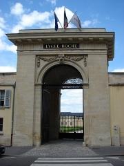 Ancien couvent de la Reine, actuellement lycée Hoche - Français:   Lycée Hoche au 73 avenue de Saint-Cloud Versailles