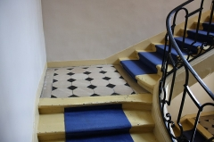 Hôtel des Affaires Etrangères - English: Stairs in Hôtel des Affaires étrangères et de la Marine located 5 rue de l'Indépendance-Américaine in Versailles, France. This place is a National Heritage Site of France.