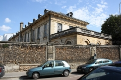 Ancienne Maison de Charité, ancien hôpital Richaud - English: Hôpital Richaud located 1 Richaud street in Versailles, France. This place is a National Heritage Site of France.
