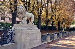 Résidence des Lions - English: Lion's Residence at Bougival in France. The entrance to the domaine of Comtesse du Barry the last favourite of Louis XV, king of France.