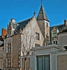 Hôtel Saint-Yon - This building is inscrit au titre des monuments historiques de la France. It is indexed in the base Mérimée, a database of architectural heritage maintained by the French Ministry of Culture,under the reference PA00087898 .
