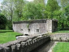 Remparts - Français:   Bastille des Portereaux. (Étampes, département de l\'Essonne, région Île-de-France).