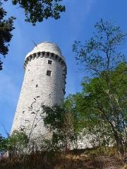 Ancien château - Français:   Château de Montlhéry, dans l\'Essonne (France)