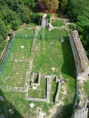 Ancien château - Français:   Château de Montlhéry (Classé)