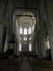 Eglise Saint-Sulpice - Intérieur de l'église de Saint-Sulpice-de-Favières (91).