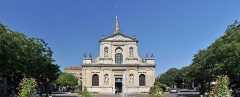 Eglise Saint-Pierre-Saint-Paul - English: Church of Saint Peter and Paul at Rueil-Malmaison, Hauts-de-Seine department in France. The building is registred as cultural heritage by the French ministry of Culture.