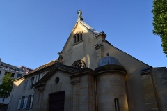 Eglise Saint-Romain - This building is indexed in the Base Mérimée, a database of architectural heritage maintained by the French Ministry of Culture, under the reference PA00088150 .