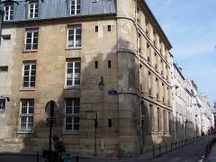 Immeuble, ancienne caserne des Gardes Françaises - Français:   Ancienne Casene des gardes françaises 7-11 rue Tournefort
