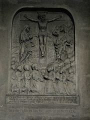 Eglise Saint-Séverin - English: Gravestone of Nicholas de Bomont and his wife. With their fifteen children kneeled before the Cross of Jesus, with the Virgin and the apostal Saint-John. This gravestone is on the North wall of the church Saint-Séverin in Paris.
