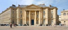 Faculté de Droit de Paris - English: Main buildings of the universities Panthéon-Sorbonne and Panthéon-Assas, former Faculty of Law and Economics of the University of Paris (Sorbonne). Place du Panthéon, Paris.