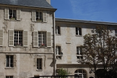 Ancien couvent des Carmes, actuellement Institut catholique de Paris - Deutsch: Institut Catholique, ehemaliges Kloster der Unbeschuhten Karmeliten (Couvent des Carmes), 21, rue d'Assas/70, rue de Vaugirard im 6. Arrondissement von Paris     This image was uploaded as part of Wiki Loves Monuments 2012.   Afrikaans | Alemannisch | العربية | جازايرية | azərbaycanca | Bikol Central | беларуская | беларуская (тарашкевіца)‎ | български | বাংলা | brezhoneg | català | čeština | Cymraeg | dansk | Deutsch | Zazaki | Ελληνικά | English | Esperanto | español | eesti | euskara | فارسی | suomi | français | Frysk | Gaeilge | galego | עברית | हिन्दी | hrvatski | magyar | հայերեն | Bahasa Indonesia | Ido | italiano | 日本語 | ქართული | 한국어 | Кыргызча | Lëtzebuergesch | latviešu | Malagasy | македонски | മലയാളം | Bahasa Melayu | Malti | norsk bokmål | नेपाली | Nederlands | norsk nynorsk | norsk | polski | português | português do Brasil | română | русский | sicilianu | davvisámegiella | slovenčina | slovenščina | shqip | српски / srpski | svenska | ไทย | Tagalog | Türkçe | українська | اردو | 中文 | 中文(中国大陆)‎ | 中文(简体)‎ | 中文(繁體)‎ | 中文(香港)‎ | 中文(台灣)‎ | +/−            This building is classé au titre des Monuments Historiques. It is indexed in the Base Mérimée, a database of architectural heritage maintained by the French Ministry of Culture, under the reference PA00088500 .  беларуская (тарашкевіца)‎ | বাংলা | brezhoneg | català | Deutsch | Ελληνικά | English | Esperanto | español | euskara | suomi | français | magyar | italiano | 日本語 | македонски | Nederlands | português | português do Brasil | română | русский | sicilianu | svenska | українська | العربيَّة | +/−